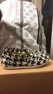 women's toms classic houndstooth pattern size 7
