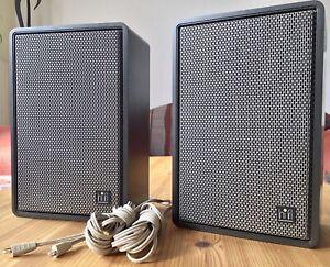 Grundig HiFi Box 300 anthrazit originale Kabel u. Din-Stecker sowie Embleme