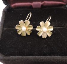 Matte Gold tone Dainty Daisy Flower Pearl Pierced dangle Hook Earrings 5c 39