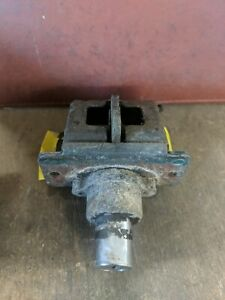 1974 triumph tr6 trunk latch used