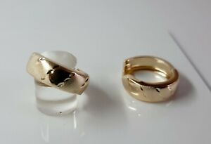 9ct Gold Patterned Hinged Huggy Earrings. 16mm Diameter. 1.5g.