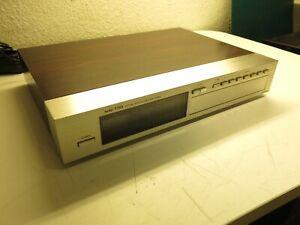 Onkyo T-909 - Stereo Tuner Holzgehäuse