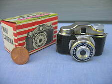 ~ VINTAGE ARROW MINI CAMERA NIB ~ TINY MINIATURE SPY TOY ~ NOS HONG KONG NOVELTY