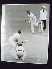 Cricket Press Photo- RAY BRIGHT & IAN BOTHAM in 1981 5th Cornhill Test Match