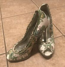 Women's Dollhouse Floral GreenStiletto Shoes  Size 7 Heel  Size 4 1/2