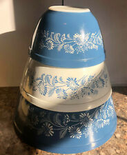 3 VINTAGE PYREX BLUE AND WHITE COLONIAL MIST MIXING BOWLS-403-402-401