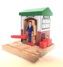 CONDUCTOR'S SHED Thomas Tank Engine Friends WOODEN Railway Train NEW