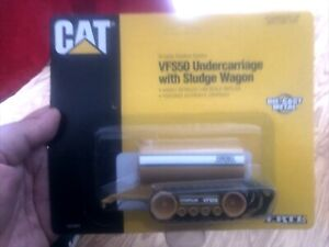 Caterpillar Ertl VFS50 Undercarriage With Sludge Wagon 1:64 Scale
