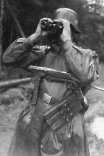WW2 Photo WWII German Soldier MP 40 Submachine  World War Two Wehrmacht / 2486