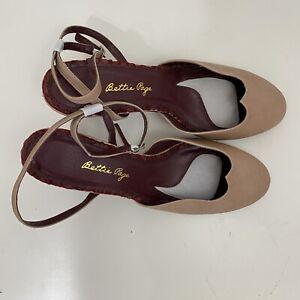 Bettie Page Tan Round Toe Heels Ankle Strap SZ 10