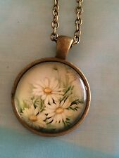 Vintage Daisies Glass Cabochon Dome Pendant Necklace. Hand Made. NEW