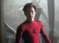 PHOTO  SPIDER-MAN HOMECOMING - TOM HOLLAND  (P1) FORMAT 20X27 CM