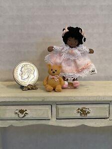 VTG Artisan ETHEL HICKS Dark Skinned Tiny Girl & Teddy Dollhouse Miniature 1:12