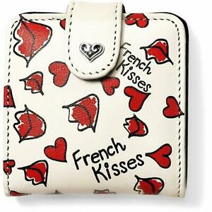 BRIGHTON French Kisses  SNAP compact  DOUBLE MIRROR   NWT