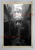 STREET SCENE ALLEY BUILDING SHOP  SIGN B&W Vintage HONG KONG Photo 28929 香港旧照片