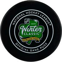 Chicago Blackhawks vs Boston Bruins 2019 NHL Winter Classic Official Game Puck