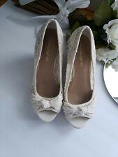 "American Eagle Beige Floral Lace 4"" Platform Wedge Peep Toe Shoe Size 7 1/2"
