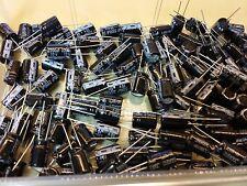 Lot de 10 Condensateurs 2200µF 10V JAKEC pas de 5.08mm