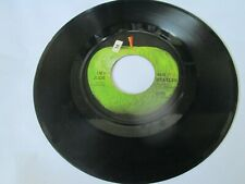 "The Beatles Hey Jude & Revolution 7"" 45 Rpm Record 2276 45-X46434 35"