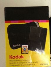 Kodak M Series Kit Battery Charger 2GB SD Card Camera Case with accessories
