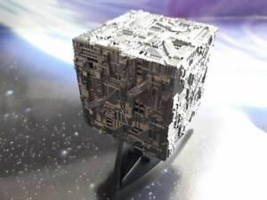 Star Trek Model: Borg Cube Light-and-Sound Starship (Similar Furuta)