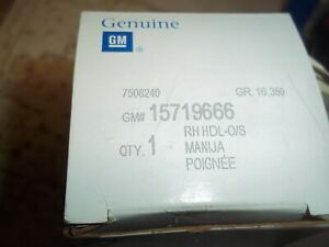 Outside Door Handle Front Right GENUINE   GM Parts 15719666