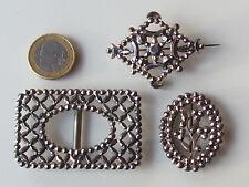LOT / 3 BIJOUX ANCIENS avec POINTE D'ACIER / BROCHE XIXème et BOUCLES CEINTURE