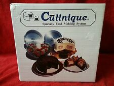 CULINIQUE SPECIALTY 2 PIECE ALUMINUM PANS FOR CAKES AND ENTREES W/COOKBOOK EUC
