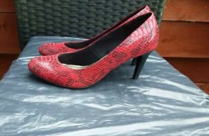 WORN ONCE LADIES RED SNAKEPRINT COURT SHOES BY M&S COLLECTION SIZE 6.5 WIDE FIT.