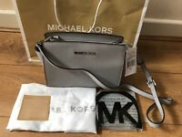 Brand New Genuine Michael Kors Pearl Grey Selma Medium Messenger Crossbody bag
