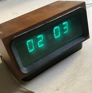 Vintage Soviet Desk Clock Elektronika Retro USSR Russia 220V Works Table Stand