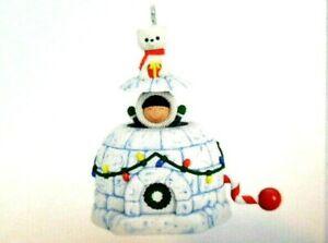 Hallmark 2019 - Frosty Friends - FROSTY SURPRISE - Miniature Tree Ornament - NIB