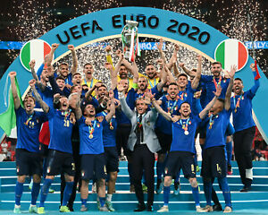 2020 EUFA Euro Cup Champions Team Italy Football Soccer - Unsigned 8x10 Photo