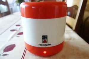 Fromagère SEB en excellent état esthétique et de fonctionnement.
