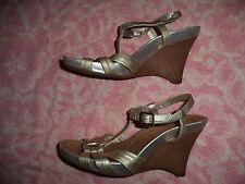 KENNETH COLE REACTION WEDGE SANDALS WOMEN'S SIZE 7 1/2  (3.5 INCH HEEL)