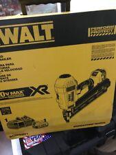 DEWALT DCN692M1 20V Max XR Lith-Ion Cordless Brushless 2-Sp 33Deg Framing Nailer