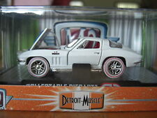 M2 1967 67 Corvette Stingray 427  white Super Chase 1 of only 108  1/64 Diecast