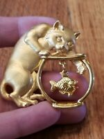 Vintage JJ Jonette Cat With Fish Bowl Brooch Pin Brushed and Polished Gold Tone