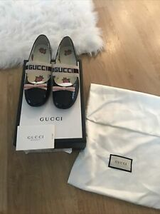 Gucci Size Uk 2 Girls Navyblue Patent Dolly Shoes With Logo/ Bow