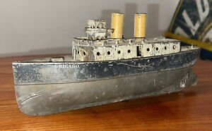 RARE EARLY Ives Chicago Luxury Liner Boat Painted Tin Clockwork Wind Up Toy