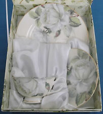 WHITE ROSES TRANQUILITY CUP SAUCER PLATE CHINA XYSTOS PRESENTATION NEW BOXED