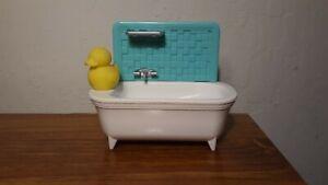 2018 Mattel  Dollhouse Footed Bath Tub W/ Yellow  Rubber Ducky