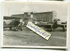 Foto :   2 Jagd-Flugzeuge aus Polen auf dem Flugplatz Krosno in Polen 1939