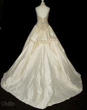 Ball Gown/Duchess 100% Silk Sleeveless Wedding Dresses