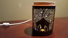 SCENTSY FULL SIZE CORE WARMER WITH NATIVITY WRAP Used