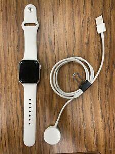 Apple Watch Series 4 - 40 mm - Silver Aluminum Case - GPS + Cellular