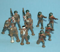 10 MANOIL U.S.A. vintage 1940s US INFANTRY WW2 Various FLAG Riflemen WOUNDED
