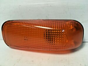 Mitsubishi Fuso Fighter FK/FM 1996 to 2010 Door Side Indicator Lamp L/H=R/H -NEW