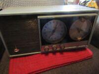 1950s-1960s working Motorola Model BCIA No. 4992 AM-FM clock radio.