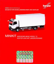 HERPA MiniKit 1:87 LKW MB Atego Koffer-LKW m. Ladebordwand Bausatz silber 013239